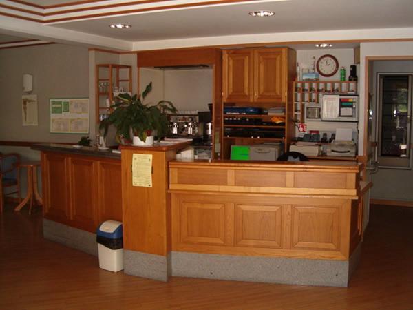 Angolo bar-reception nella hall di ingresso
